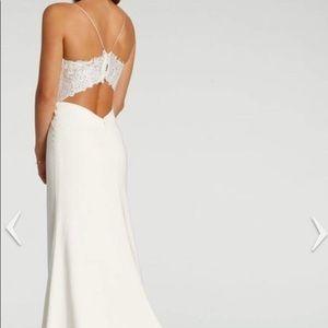 Ti Adora Ivory Lace Wedding Dress size: 4